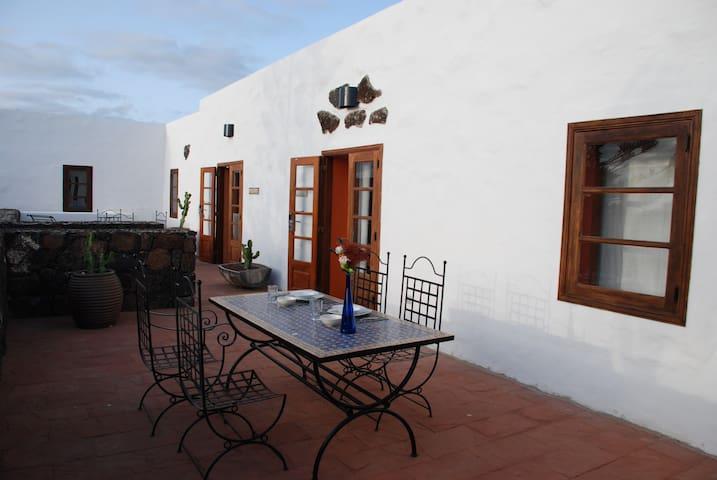 Casa Rural Vista Salinas - Yaiza - Rumah