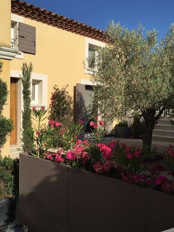 Bastidon cosy en Provence Villa individuelle