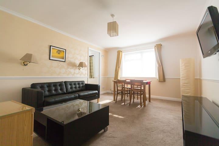 Quiet, Comfy & Spacious 1 bed flat