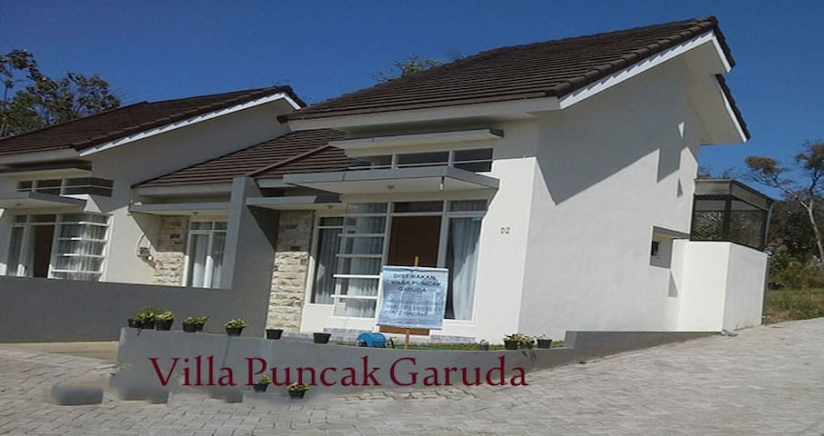 Villa Puncak Garuda  FOR RENT - Batu - Haus