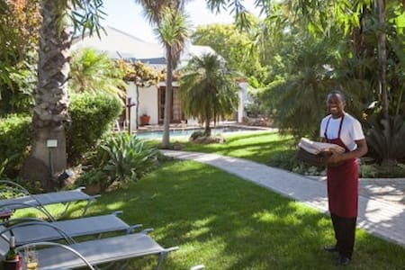 Experience the Winelands Lifestyle - Robertson - Bed & Breakfast