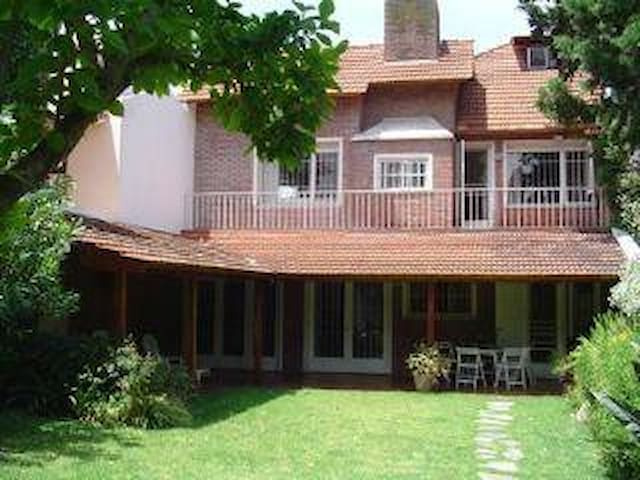 Excel. House in San Isidro(Acassuso