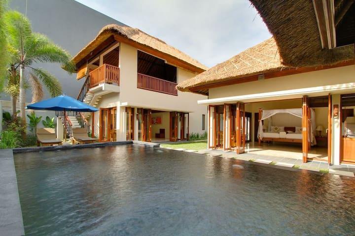 2 BR Private Villa with private pool & Breakfast