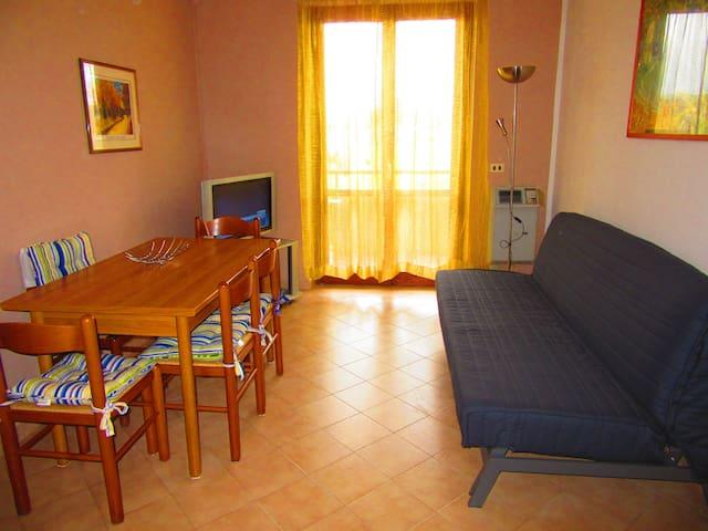 Appartamento con terrazza vicino a Follonica - Valpiana - Byt