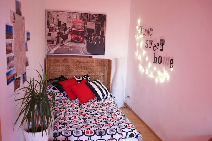 Cozy room, free parking - Wenen - Appartement