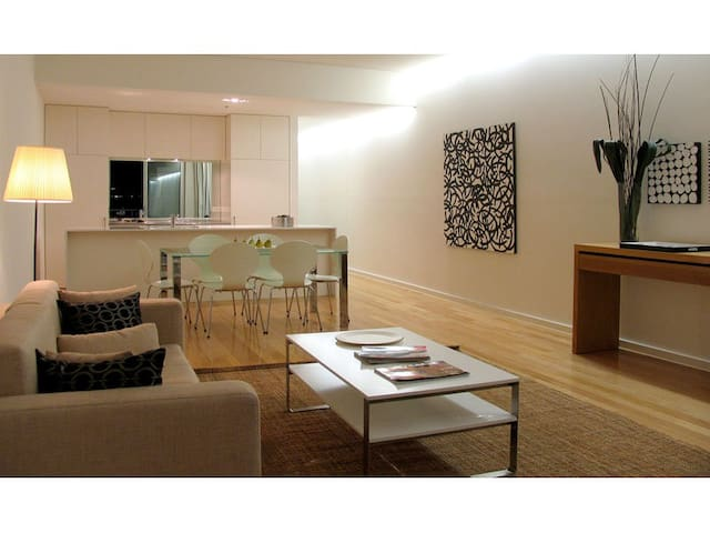 Gorgeous, secure, spacious city pad - Adelaide - Apartment