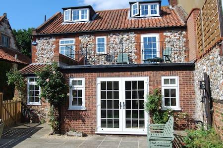 Duffields House, Brancaster - Brancaster