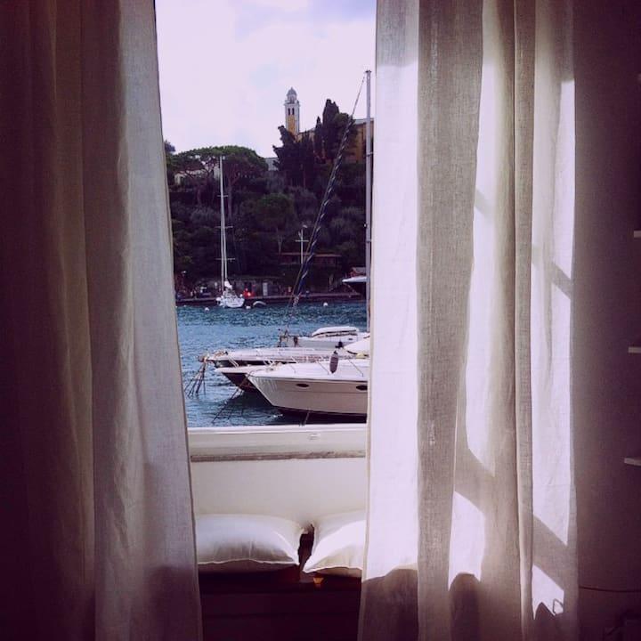 pieds dans l'eau in Portofino