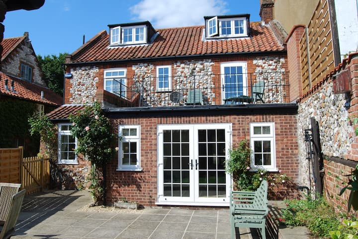 Duffields Hse & Cottage Brancaster 50% off 7 night
