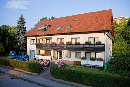 Hotel garni Schacherer - Müllheim - Bed & Breakfast