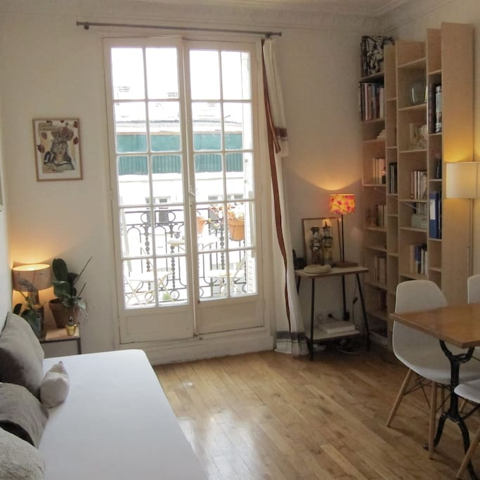 Appartement 2 chambres avec balcon appartements louer for Appartement balcon paris