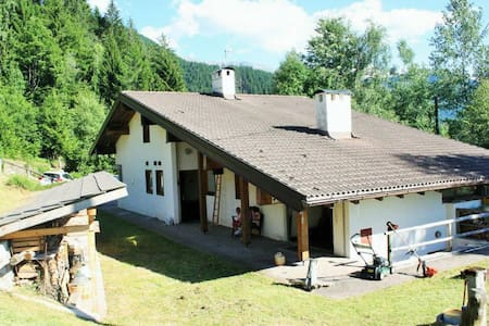 Dolomites. Chalet for 3/4 families - Sover - キャビン