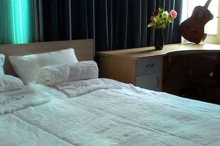 Lovely room in the heart of town center - Wohnung
