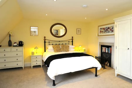 St Mary's Place Luxury en Suite - Stamford - Bed & Breakfast