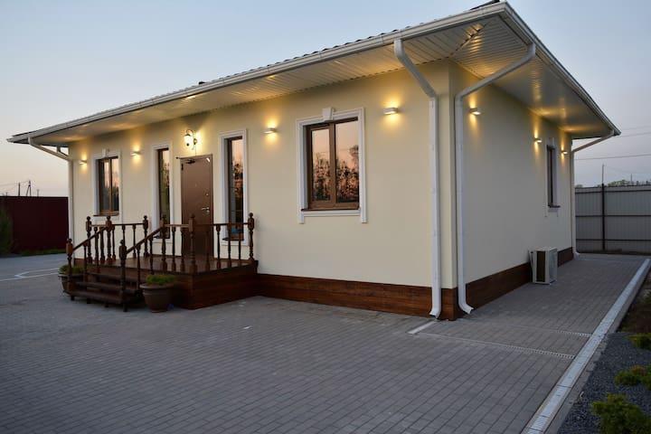 Новый дом в к/поселке в Ростове - Темерницкий - Casa