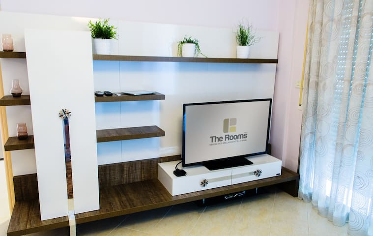 Flat Tv with Satellitare Channels