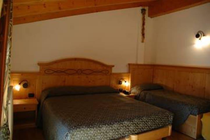 Stanza Tripla vicino a  Campiglio - Sant'Antonio di Mavignola - Bed & Breakfast
