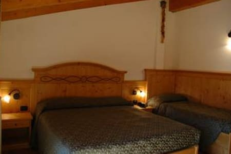 Triple room near Campiglio - Sant'Antonio di Mavignola - Bed & Breakfast
