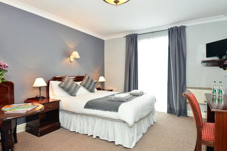 Double Room Dingle Town - Dingle - Bed & Breakfast