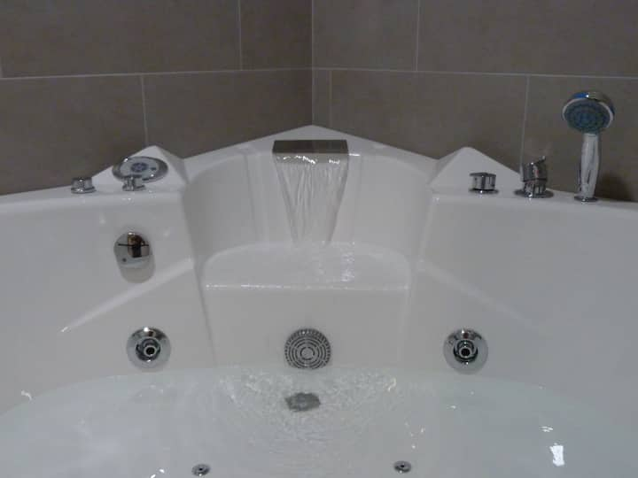 Special Suites - JACUZZI PARA 2 - WIFI free (F13)