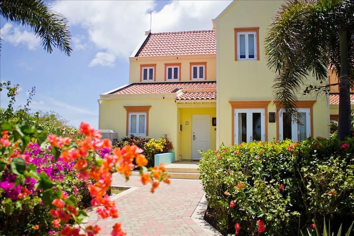 Stunning sea view villa - 5 minutes walk from the beach  - Perfect for families & snorkeling hotspot - Bandabou Westpunt - Villa