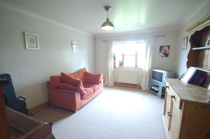Home with double en-suite, and twin - Saint Athan - Bed & Breakfast