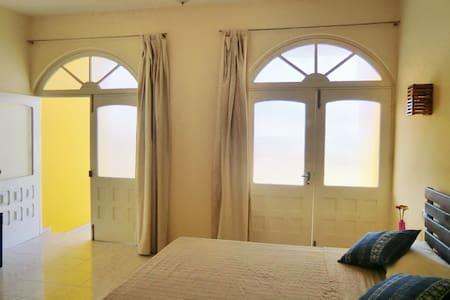 Casa Solarino - Suite Colonial - Mindelo