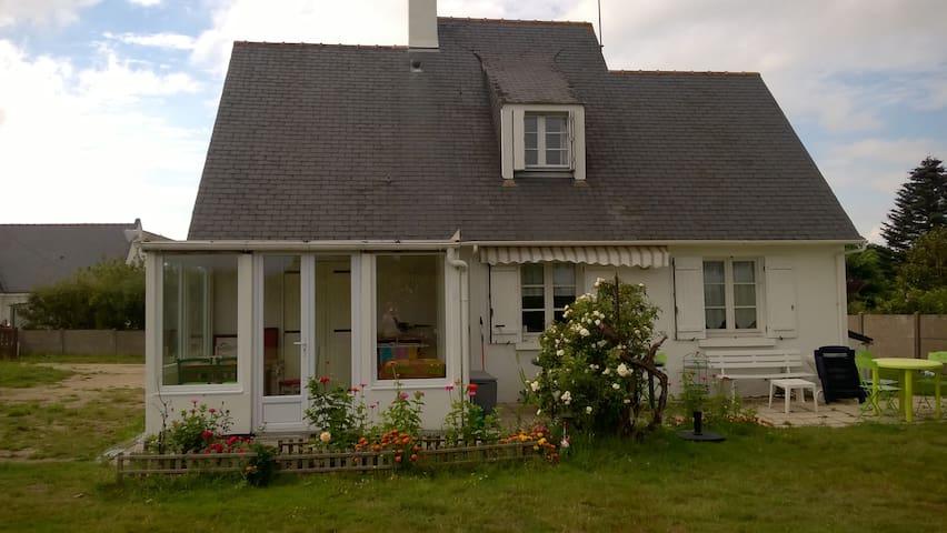maison  5 km  de la mer - Saint-Molf - Huis