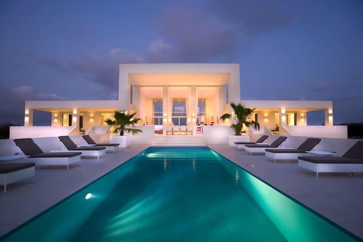 Luxury villa with breath-taking panoramic views - Sint Willibrordus - Vila