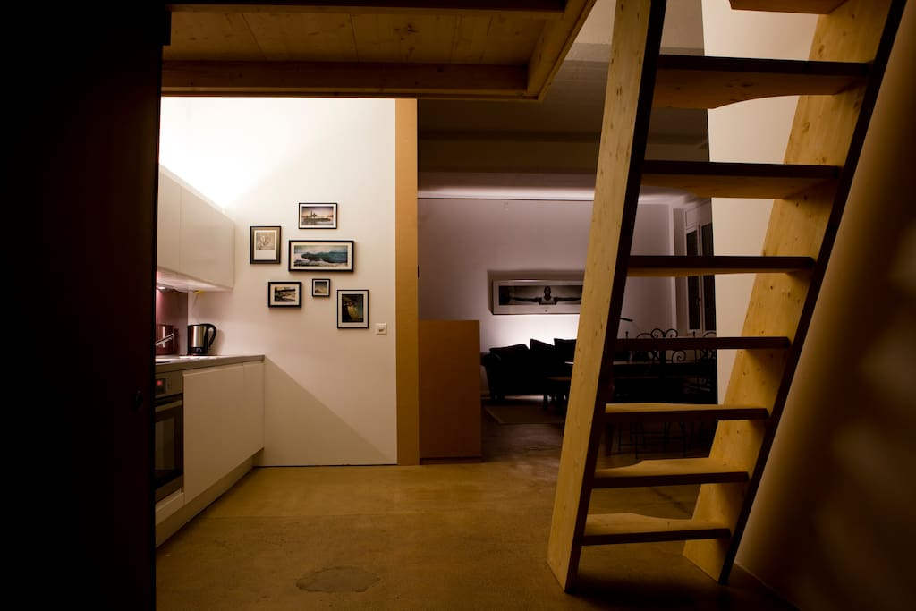 Zurich loft perfectly located loft in affitto a zurigo for Casa moderna talstrasse zurich