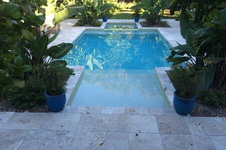 Flats Houses Villas With A Pool In Naples Airbnb