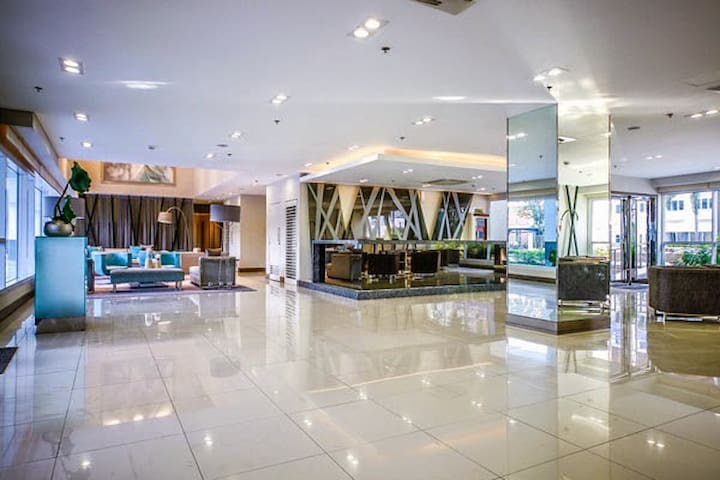 Condo for RENT at SM Mall of Asia - Pasay - Selveierleilighet