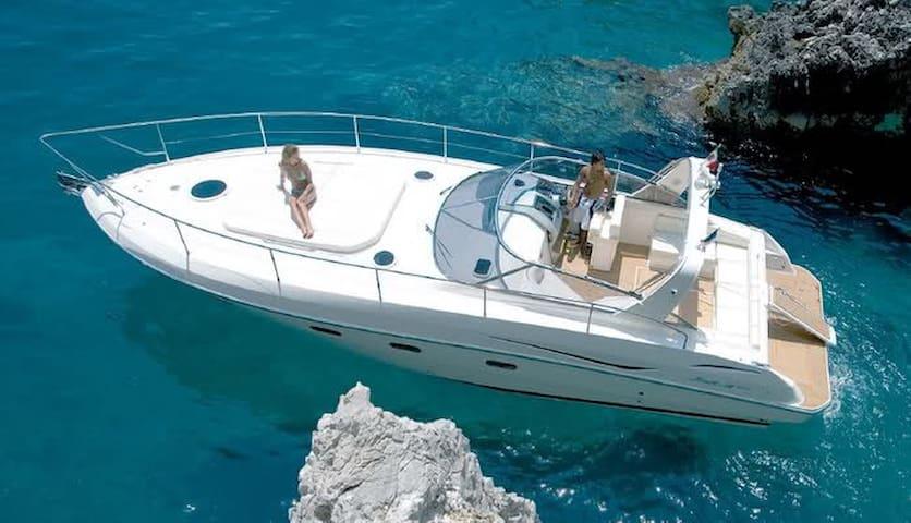Italian motorboat Ibiza (10 pass) - Eivissa - Boot
