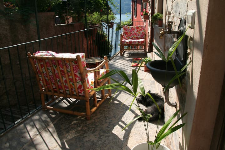 Casa Lua, lake Como view 10 m shore - Carate Urio - Huis