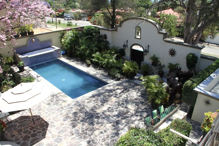 Ajijic Vacation Paradise with Pool  - Ajijic - House