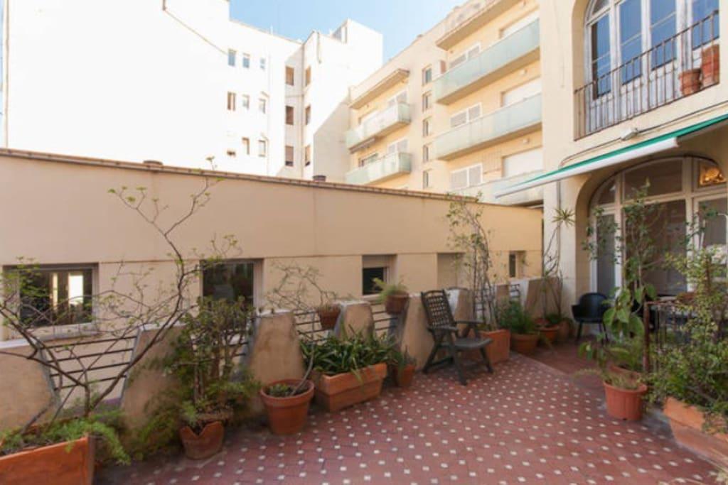 Shared room 1 rambla catalunya appartamenti in affitto a for Affittare casa a barcellona