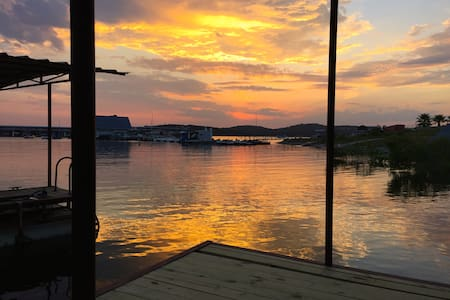 Sunset Cove Lakefront Home on LakeTravis w/ Dock