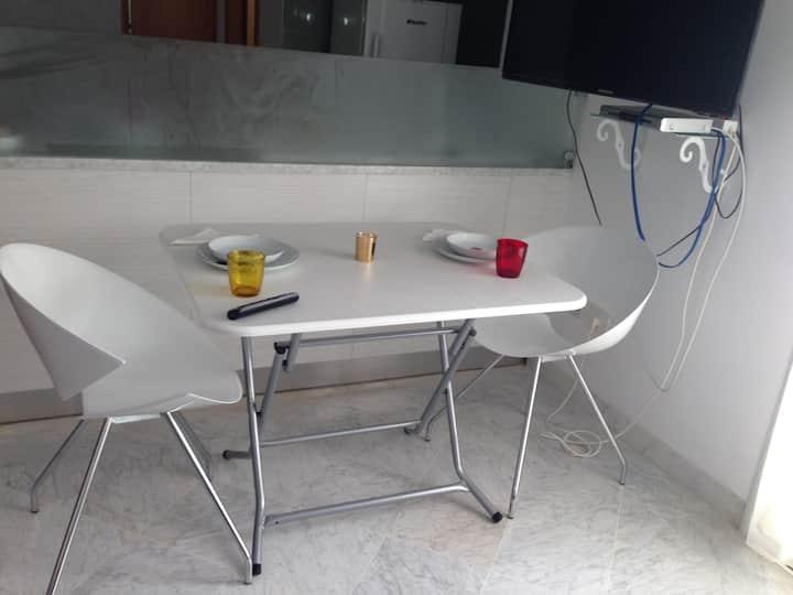appartement S+1 richement meublé à la Soukra