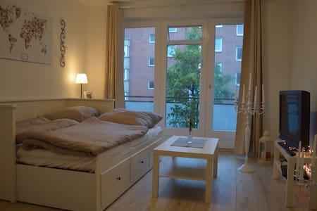 Zentral gelegenes City Apartment - Hamburg - Daire