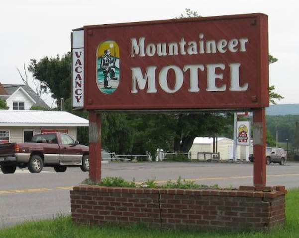 Mountaineer Motel - Mount Storm - Outro