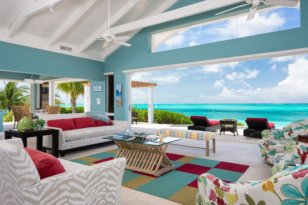 Living Room view to Ocean