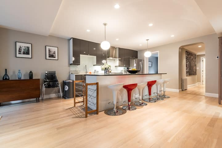 Hoboken DT fully renovated apt (6) w outdoor space