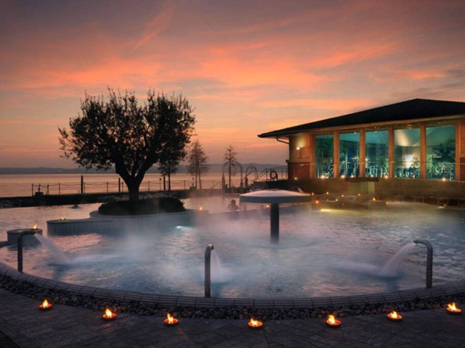 Lakeside Termal hot water 'Aquaria', open day&night in sirmione in autumn and wintertime