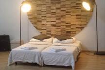Modern Creative Spacious Loft (ideal for groups!)