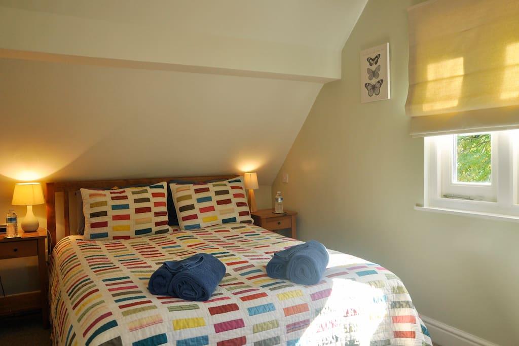 Bedroom--double American Queen sized bed (UK King)