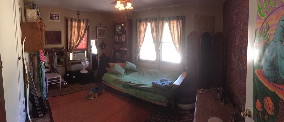 Enjoy Some Serenity - The Zen Room - Grants Pass - House