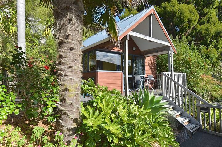 Garden View Chalet - Bay Cabinz