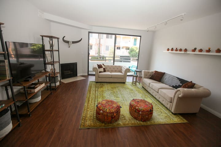 Huge 3BR Modern Boho Suite Minutes from the Beach