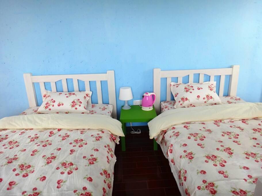 小碎花的床