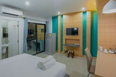 Clean room Free Optic wifi 24 hr - Chalong - 公寓